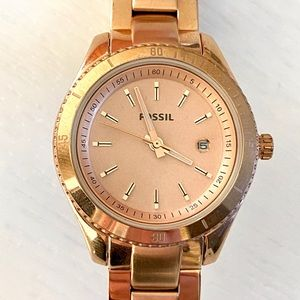 Womens rose gold Fossil watch.